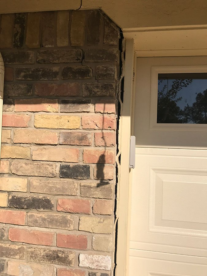 exterior brick cracks